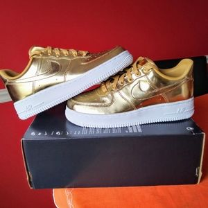 Nike Air Force 1 SP Low Liquid Metal Gold